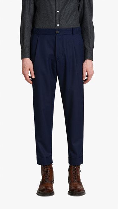 风格: 针对不同风格的裤子类型